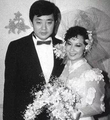 薛家燕的丈夫是谁?薛家燕年轻时的图片惊艳了岁月
