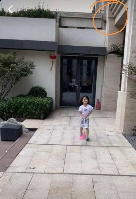 港媒曝章子怡北京2亿豪宅内景 自带健身房泳池还有超大花园