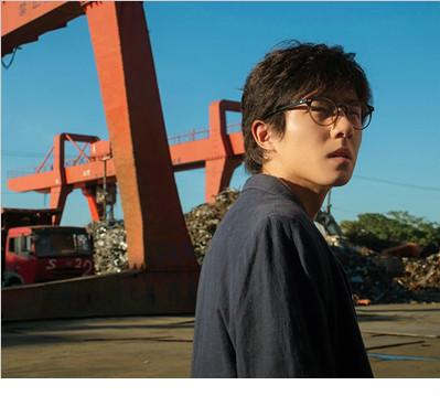 """《一点就到家》刘昊然新剧照大片感十足 废柴一秒变""""潮男"""""""