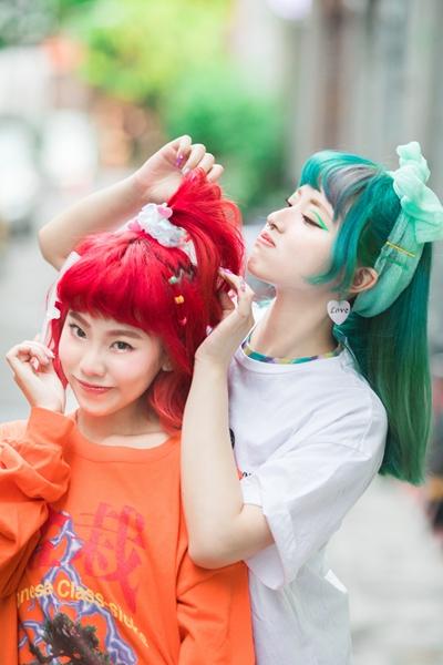 嘻哈小魔女Allyson陈瑾缃遇上迷因系饶舌歌手水水Mizu98唱出女孩《不洗头》心声