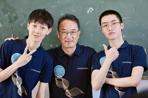邓典、田燚参与索尼梦想教室公益活动 鼓励乡镇学生勇敢追梦