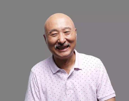 陈佩斯时隔20余年回归央视舞台 网友:爷青回!