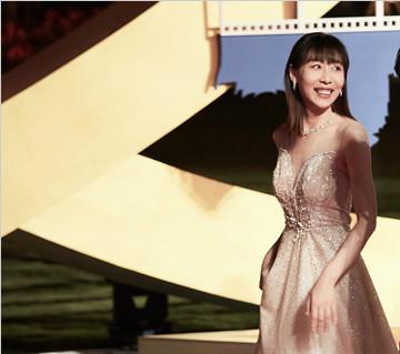 任素汐入围金鸡奖最佳女主  颁奖时刻遭遇现场把脉