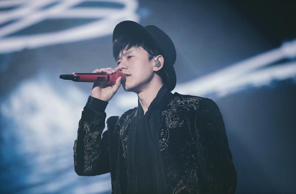 张杰生日演唱会圆满结束 公布20城巡回演唱会计划