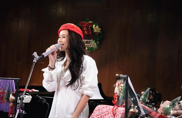 Karen莫文蔚透过直播音乐会与粉丝见面 高规格演出演唱九首经典歌曲