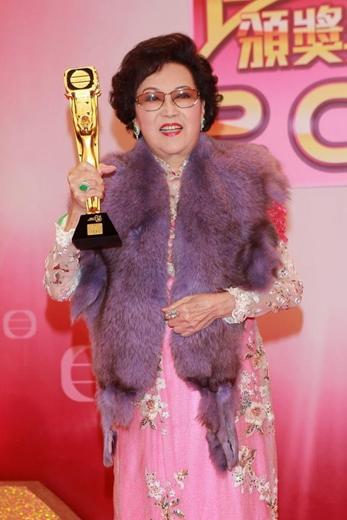 TVB老戏骨李香琴去世享年88岁 万梓良周润发张曼玉等是其干子女!