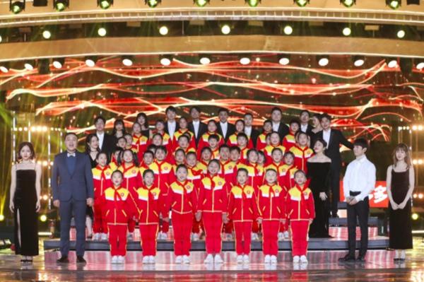 湖南跨年获《人民日报》点赞 中国视听大数据收视高居省卫第一