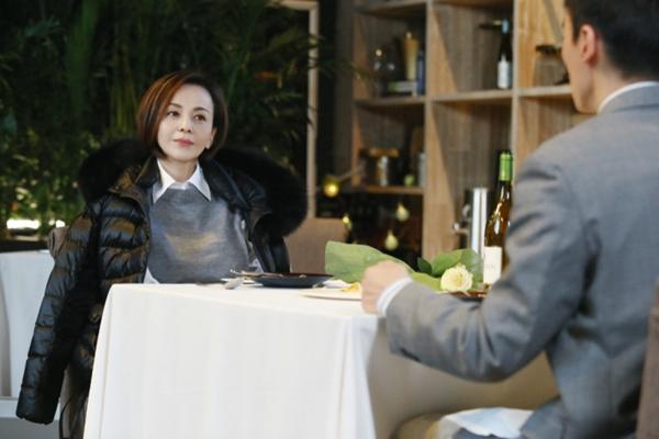 《怦然再心动》宋丹丹陪王琳约会男嘉宾 一杯润喉茶俘虏芳心