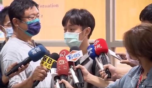 吴青峰哽咽回应著作权纠纷 张韶涵力挺吴青峰正义不会缺席